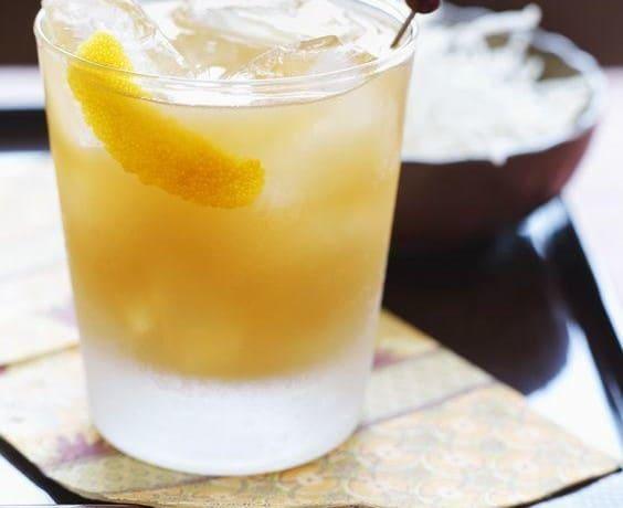 whiskey cobbler cocktail